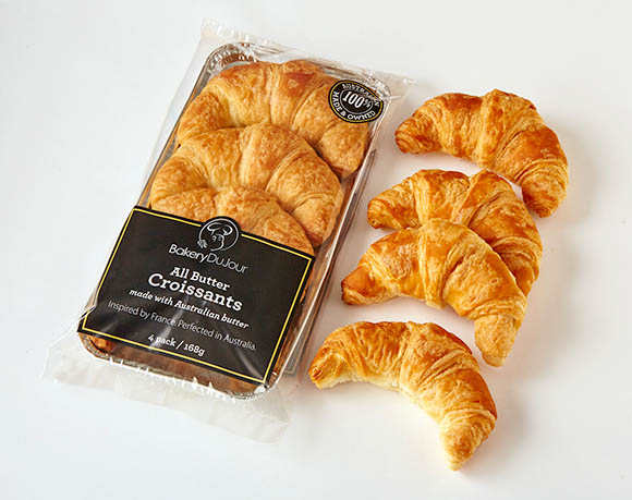 Croissant packaging with tray