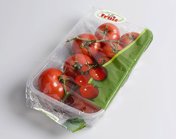 Tomato packaging with tray